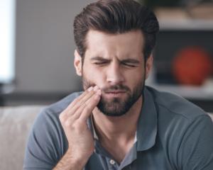Principals causes del dolor dental agut